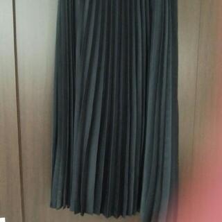 アンタイトル(UNTITLED)のアンタイトル黒プリーツスカート3サイズ(ロングスカート)