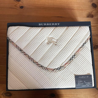 BURBERRY - バーバリー パッドシーツ
