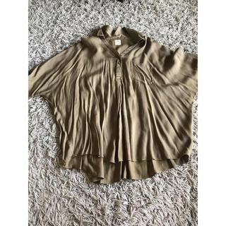 アクアガール(aquagirl)のアクアガール ワールド シャツ 半袖 チュニック M カーキ(シャツ/ブラウス(半袖/袖なし))