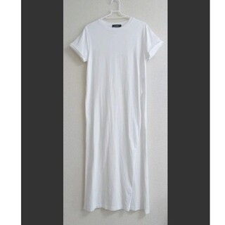 Tシャツワンピース ホワイト 左スリット