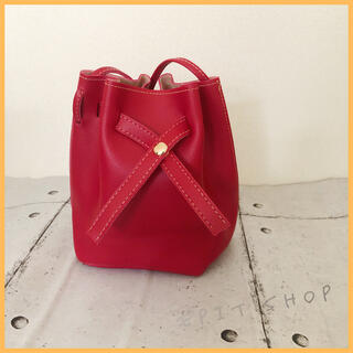【新品】レディース バッグ ショルダーバッグ 巾着 ミニサイズ シンプル レッド