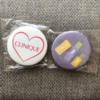 クリニーク(CLINIQUE)のCLINIQUE ミニ缶バッチ(ブローチ/コサージュ)