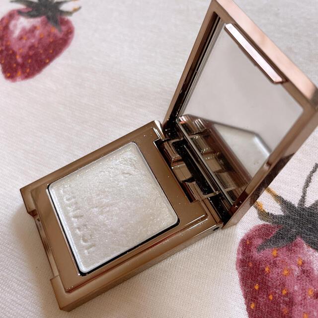 LUNASOL(ルナソル)のルナソル ライティングアイズ 08シルバー コスメ/美容のベースメイク/化粧品(アイシャドウ)の商品写真