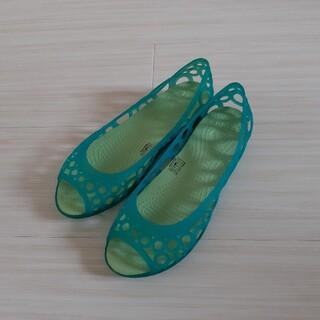 crocs - crocs クロックス W6 アドリナ フラット 22cm グリーン系