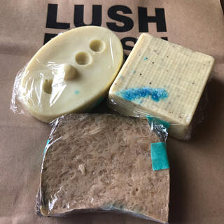 LUSH - LUSH◼️3点セット◼️ボディバター/マッサージバー/ソープ※新品•未使用※