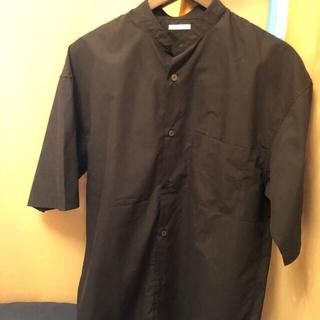 GU - gu メンズスタンドシャツ半袖
