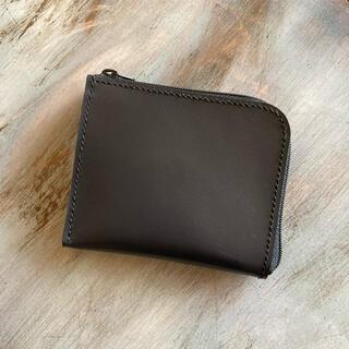 財布 マッドブラック ラウンドファスナー 経年変化 ラウンドジップウォレット