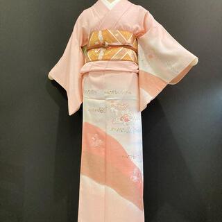 305  ■送料無料■ 可愛いらしいパウダーピンク・上品な日本刺繍・箔・訪問着(着物)