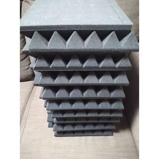 ★良質★吸音材 防音材 ピラミッド型 18 枚セット 30×30×5cm(その他)