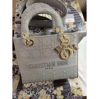 クリスチャンディオール(Christian Dior)のDior レディディオール LADY D-LITE ミディアムバッグ(ハンドバッグ)