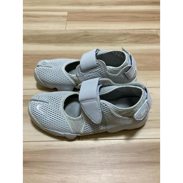 NIKE(ナイキ)のNIKE エアリフト ライトグレー 27cm メンズの靴/シューズ(スニーカー)の商品写真
