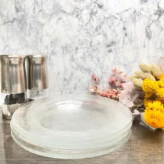 ガラス製 リム皿♡4名様分 レンジ使用可能(食器)