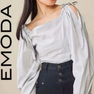 エヴリス(EVRIS)のEMODA オフショルトップス(シャツ/ブラウス(長袖/七分))