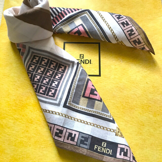 FENDI - フェンディ ハンカチスカーフ アイコンだよ全員集合 人気のピンクver