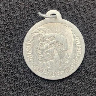 ディーゼル(DIESEL)のディーゼル DIESEL ペンダントトップ コイン メダル (ネックレス)