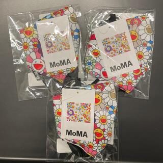 モマ(MOMA)のMoMA x 村上隆 マスクカバー 新品未開封 ×1個(キャラクターグッズ)