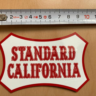スタンダードカリフォルニア(STANDARD CALIFORNIA)のスタンダードカリフォルニア ノベルティ ステッカー レッド(その他)