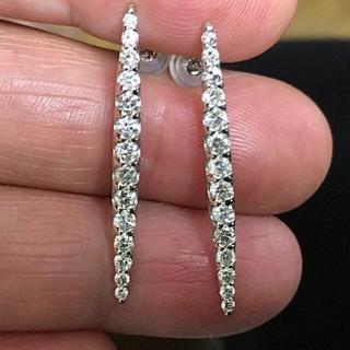 デビアス(DE BEERS)のデビアスのダイヤ 1ct K18WG ピアス 鑑別付(ピアス)