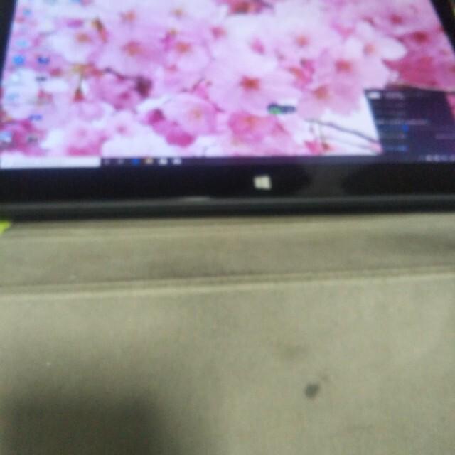 富士通(フジツウ)のQ704  win10 スマホ/家電/カメラのPC/タブレット(タブレット)の商品写真