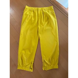 トゥモローランド(TOMORROWLAND)のMACPHEEコットンパンツ 黄色(クロップドパンツ)