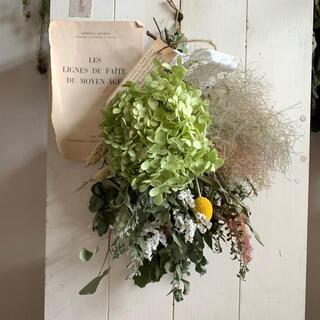 アナベルと季節のお花のまんまるスワッグ(ドライフラワー)