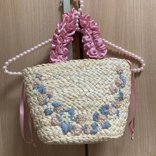 メゾンドフルール(Maison de FLEUR)の🎀美品🎀 メゾンドフルール 刺繍 かごバッグ(かごバッグ/ストローバッグ)