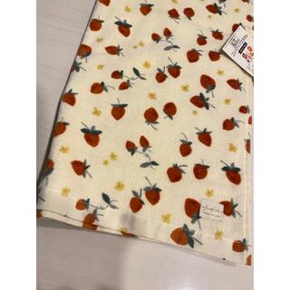 フタフタ(futafuta)の新品 フタフタ コンパクトバスタオル いちご バスタオル プール ケット(その他)