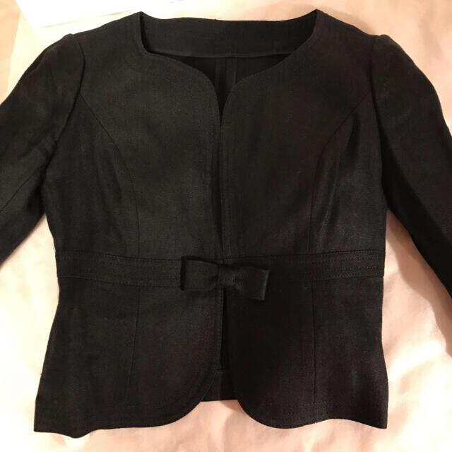 Harrods(ハロッズ)のハロッズ リボン付き ブラック麻 ジャケット レディースのジャケット/アウター(ノーカラージャケット)の商品写真