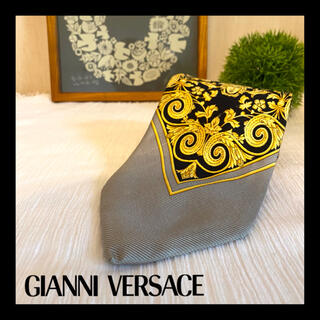 ジャンニヴェルサーチ(Gianni Versace)のGianni Versace ネクタイ 高級シルク 紋章柄 メデューサ クレスト(ネクタイ)