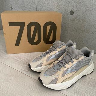 アディダス(adidas)のYEEZY BOOST 700 V2 CREAM(スニーカー)