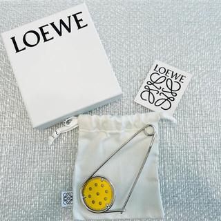 ロエベ(LOEWE)のLoewe ロエベ メカノピン イエロー(ブローチ/コサージュ)