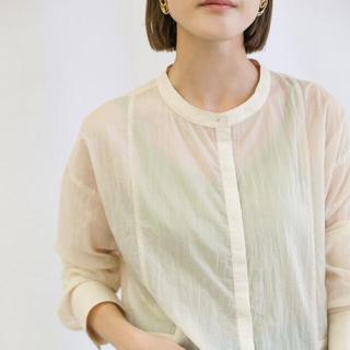セレクト(SELECT)の 定価4730円select MOCA  ノーカラーリンキングシアーシャツ(シャツ/ブラウス(長袖/七分))
