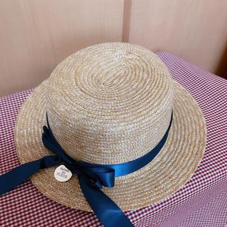 メゾンドフルール(Maison de FLEUR)の【新品.未使用】♡メゾンドフルール♡カンカン帽♡リボンネイビー♡(麦わら帽子/ストローハット)