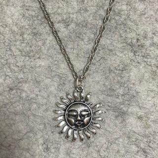 トーガ(TOGA)のヴィンテージ 太陽モチーフネックレス(ネックレス)