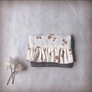 【handmade】フリル 移動ポケット 移動ポシェット (外出用品)