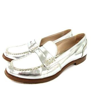 ミュウミュウ(miumiu)のミュウミュウ ローファー コイン レザー バイカラー 22cm シルバー 白(ローファー/革靴)
