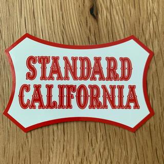 スタンダードカリフォルニア(STANDARD CALIFORNIA)のスタンダードカリフォルニア ステッカー レッド(その他)
