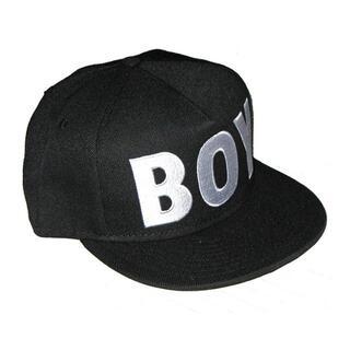 ボーイロンドン(Boy London)のBOY ロゴ刺繍 スナップバック キャップ 黒 ☆フリーサイズ 男女兼用 (キャップ)