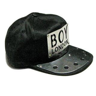 ボーイロンドン(Boy London)のBOY LONDON メタルプレート スナップバックキャップ ☆フリーサイズ(キャップ)