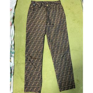 フェンディ(FENDI)のタグ付き‼︎フェンディ ズッカ柄パンツ サイズ28インチ 未使用に近い状態‼︎(デニム/ジーンズ)