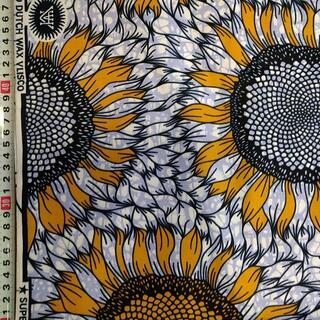 102 イエロー フラワー アフリカ布 50cm x 110cm バオバブ神戸(生地/糸)