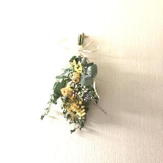 イエロー系〜薔薇 ユーカリ かすみ草ドライフラワースワッグ〜36㎝(ドライフラワー)