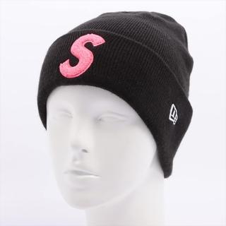 シュプリーム(Supreme)のシュプリーム×ニューエラ  アクリル  ブラック ユニセックス ニットキャ(ニット帽/ビーニー)