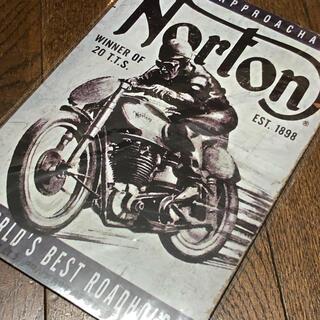 Norton WINNER OF 20 T.T.Sブリキ看板