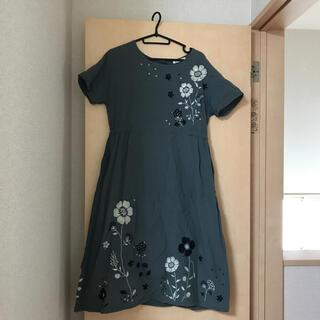 ソルベリー(Solberry)の北欧 お花刺繍 ワンピース soulberry(ひざ丈ワンピース)