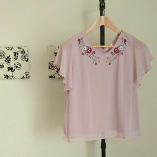 ハニーズ(HONEYS)のハニーズ 刺繍使い プルオーバー(シャツ/ブラウス(半袖/袖なし))