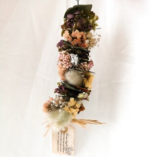 ユーカリとお花やフルーツの縦ガーランド(ドライフラワー)