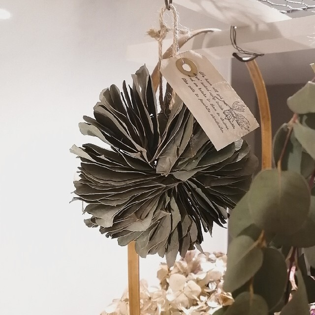 ☆受注製作☆ユーカリミルフィーユリース ハンドメイドのフラワー/ガーデン(ドライフラワー)の商品写真