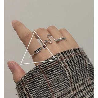 ザラ(ZARA)のシンプルペティシルバーリング(リング(指輪))