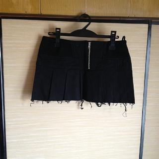 裾ダメージプリーツスカート 黒  ミリタリー コスプレ(その他)